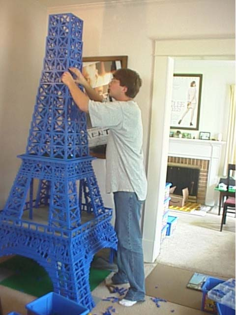 How to make a model of the eiffel tower out of paper
