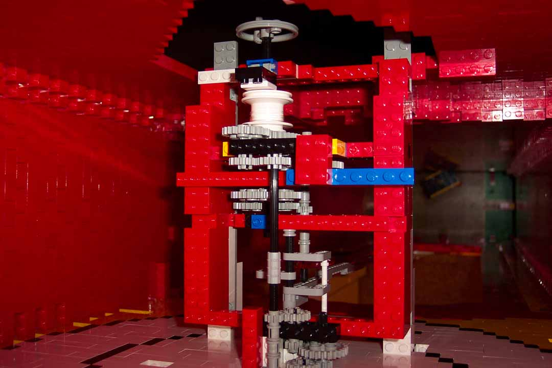 Man Builds 7 Foot Grandfather Clock From Lego Slashdot